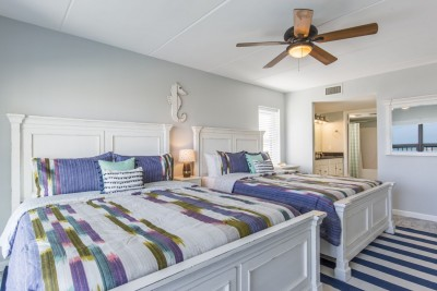 Bedroom with two queen beds, ocean view
